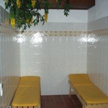 Liegen in der Sauna
